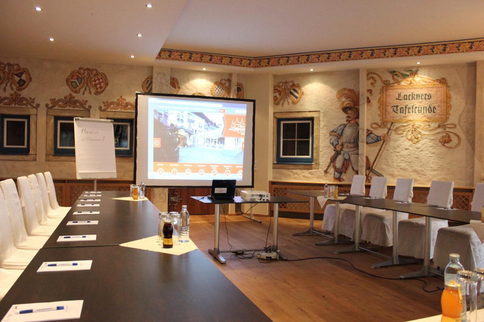 Der Seminarraum im Rittersaal im Schlosshotel Lacknerhof