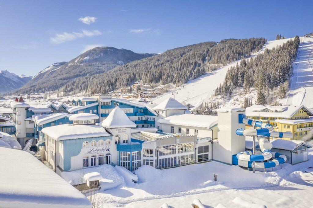 Aussenansicht Lacknerhof Flachau im Winter