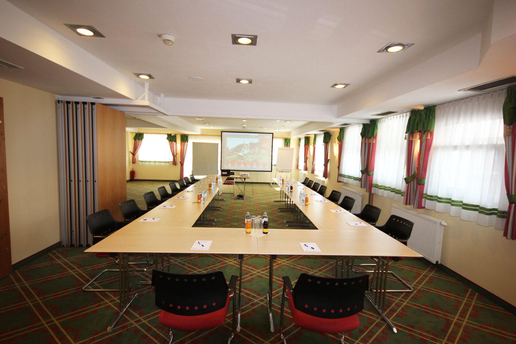 Seminarraum Hochsitz in U-Form