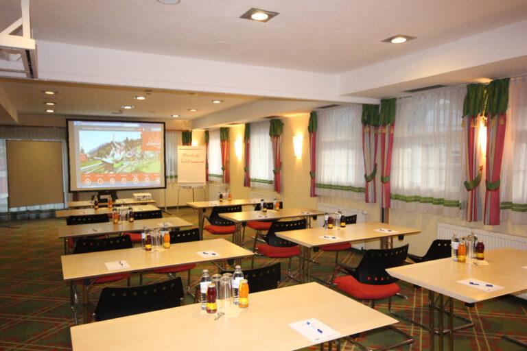 Aufstellung in Form einer Klasse im Seminarraum Waldblick